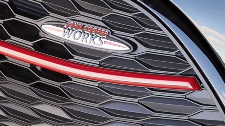MINI John Cooper Works Clubman – front grille – JCW badge