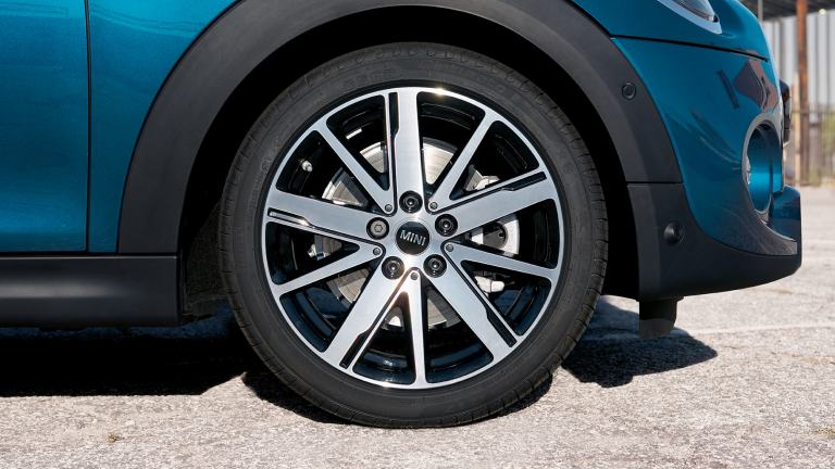 "MINI Convertible Sidewalk Edition – 17"" alloy wheels – two-tone"